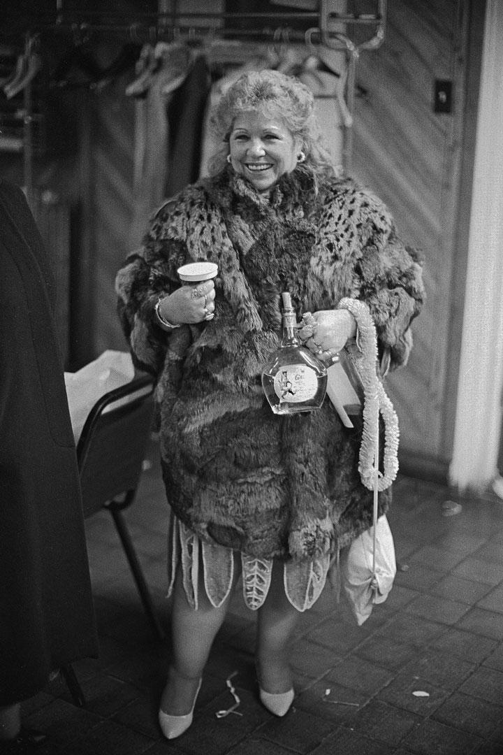 Lady-furcoat-shpn-SM